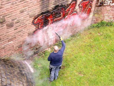 pressure washing to remove graffiti